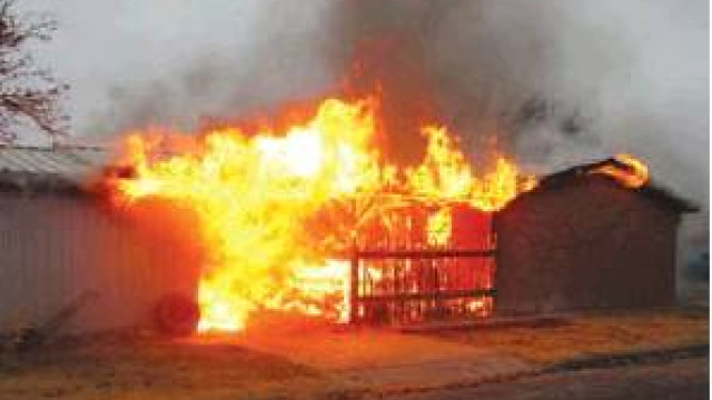 Occupant exits home fire after being alerted by constable